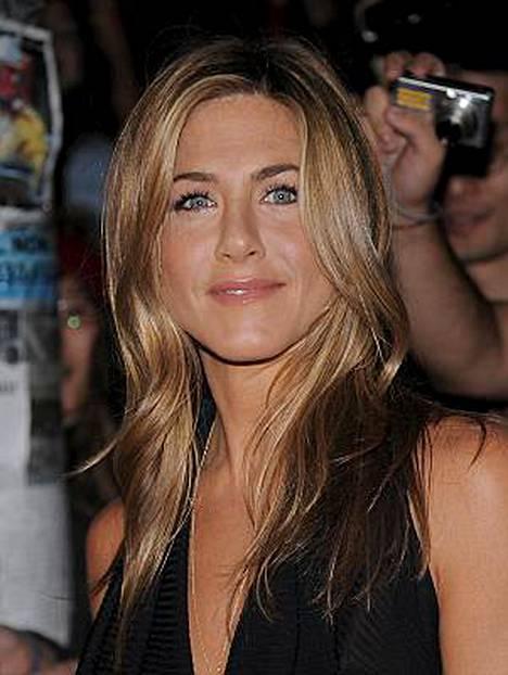 Jennifer Aniston ja Brad Pitt tapasivat kolmen vuoden jälkeen.