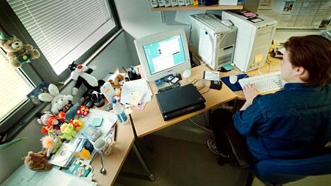 F-Securen nuorempi virustutkija Sami Rautiainen tutki Loveletter -virusta 5. toukokuuta 2000.