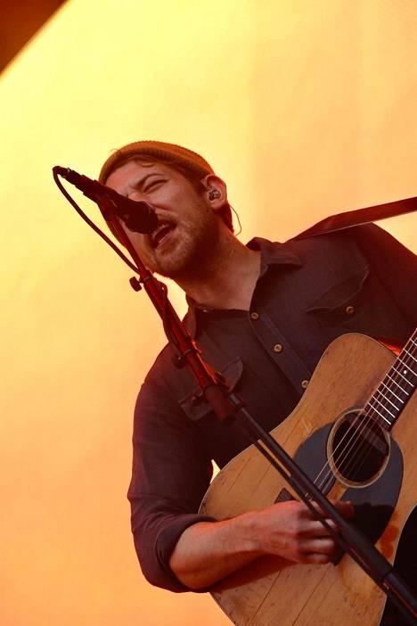 Yhdysvaltalainen Fleet Foxes esiintyi perjantaina loppuunmyydyillä Flow-festivaaleilla.