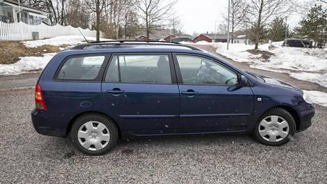 Toyota Corolla on Suomen suosituin auto. Kuvituskuva.