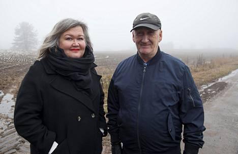 Historioitsija ja tietokirjailija Ira Vihreälehto onnistui selvittämään isänsä Juhani Kautiaisen oikean isän olleen venäläinen sotavanki.