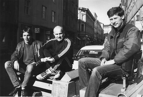 Leevi And the Leavings kuvattuna 28.4.1985. Kuvassa Juppe Karastie (vas.), Gösta Sundqvist ja Rife Paananen.