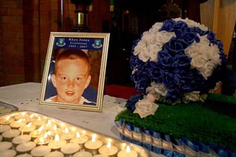 11-vuotias Rhys Jones ammuttiin viime viikon keskiviikkona.