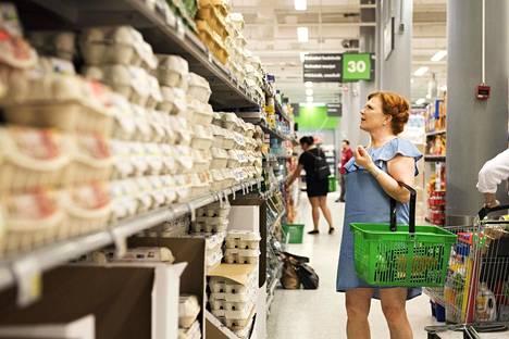 Ravintoloitsija Maija Silvennoinen korostaa, että yli jäänyt ruoka pitää osata hyödyntää.