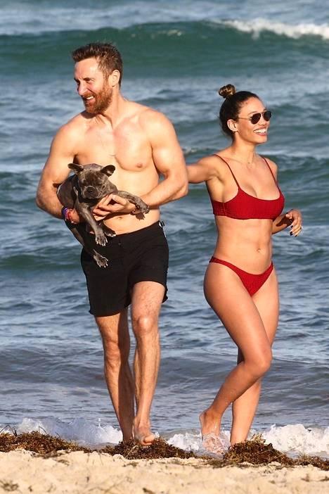 David Guetta ja tyttöystävä Jessica Ledon.