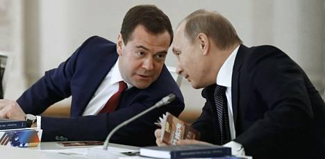 Päätyykö Putin erottamaan pääministerinsä?