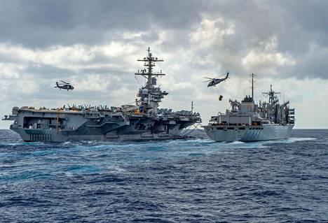 Viikko sitten Yhdysvallat ilmoitti lentotukialus USS Abraham Lincolnin siirtyvän Persianlahdelle.