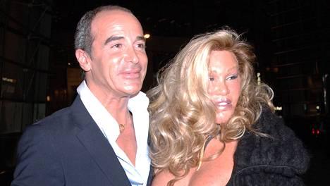 Jocelyn Wildenstein ja Lloyd Klein vuonna 2009.
