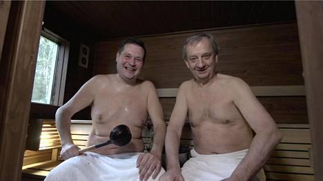 Jethro Rostedt ja Hjallis Harkimo ovat luvanneet auttaa Matti Nykäsen Pia-leskeä. Idea syntyi saunan lauteilla viime kesänä.