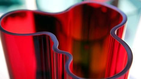 Punaiset maljakot ovat kaikkein työläimpiä valmistaa. Arkistokuva.