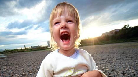 Hengitä, hengitä... ja kohtaa sitten lapsi kunnioittavasti, äläkä eristä häntä yksinäisyyteen. Silloin hän ei opi mitään.
