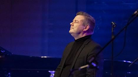 Vuoden 1995 tangokuningas esiintyi lauantaina Joensuussa täydelle yleisölle rikossyytteistä huolimatta.