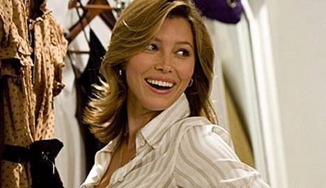 Jessica Biel näytteli asianajajaa Voitte suudella sulhasta -elokuvassa 2007.