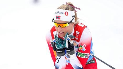 Therese Johaug havittelee maailmancupin kokonaiskisan kolmossijaa.