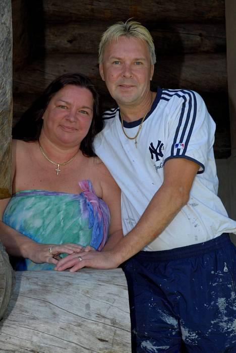 Mervi Tapolan kanssa Matti avioitui kahdesti.