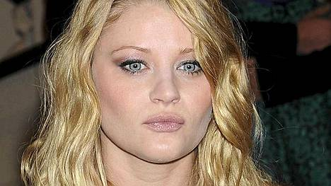 Emilie de Ravin tunnetaan Lost-sarjasta.