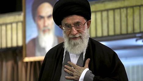 Ali Khamenei arkistokuvassa vuodelta 2009.
