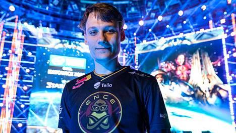 """StarCraft II -tähden Joona """"Serral"""" Sotalan turnaus päättyi kolmanteen sijaan."""