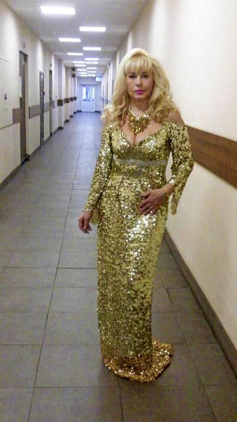 Elena Kondulainen on yhä edelleen vakiovieras venäläisten tv-kanavien viihdeohjelmissa.