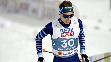 Eero Hirvonen kuvattuna MM-kisoissa Oberstfordissa.