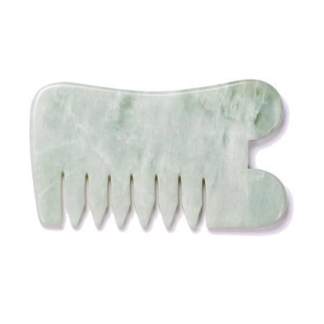 Gua sha -kiven aallonmuotoisella reunalla saa käsiteltyä poskipäät ja leukalinjan, ja sileä kantti sopii poskille sekä otsalle. Yin Your Skin Gua sha -kammalla voi käsitellä kasvojen lisäksi päänahan. 35 €.