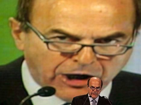 Pier Luigi Bersani johtaa keskusta-vasemmistoa, ja puolue sai ennakkotietojen mukaan noin kolmanneksen äänistä. Hallitusneuvotteluista odotetaan hyvin vaikeita.