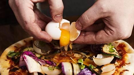 Kananmunan syömistä on pitkään suositeltu rajoittamaan keltuaisen sisältämän runsaan kolesterolin vuoksi.