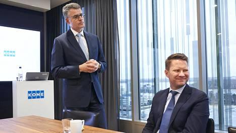 Koneen toimitusjohtaja Henrik Ehrnrooth ja talousjohtaja Ilkka Hara kertoivat yhtiön tuloksesta tammikuussa 2018.
