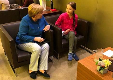 Saksan liittokansleri Angela Merkel keskusteli Thunbergin kanssa New Yorkissa maanantaina.
