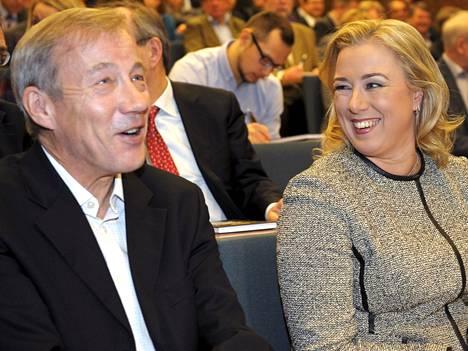 Valtiovarainministeri Jutta Urpilainen oli paikalla Sixten Korkmanin kirjan julkistamistilaisuudessa.
