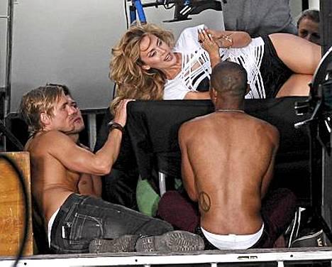 Kylie Minoguen eroottisesti latautunut video kuvattiin Los Angelesissa.