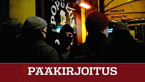 Sosiaali- ja terveysministeriö linjasi lokakuussa, että ravintolat saavat toimia yökahviloina yhden tunnin kiinniolon jälkeen. Kuvassa yökahvila Aleksis Kiven kadulla Helsingissä 21. marraskuuta.