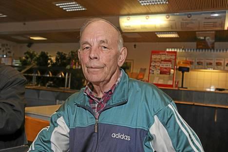 Paranemista toivova Veikko Kovanen asuu Korisevan vanhempien vieressä, joten laulaja hänelle tuttu jo 50 vuoden takaa.