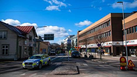 Vetlandassa keskiviikkona tehdyssä hyökkäyksessä haavoittui seitsemän vuosina 1945–1985 syntynyttä miestä.