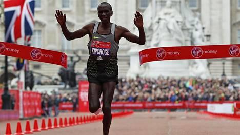 Eliud Kipchoge voitti Lontoon maratonin.