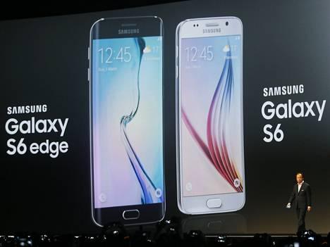 Samsungin mobiilijohtaja JK Shin julkisti Barcelonassa uudet Galaxy S6 ja S6 Edge -älypuhelimet.