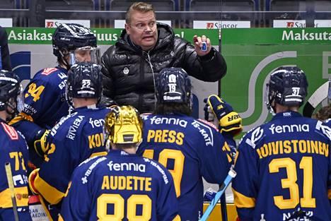 Päävalmentaja Pekka Virta voitti ansaitusti uransa ensimmäisen Suomen mestaruuden.