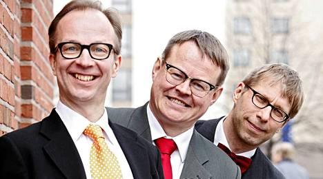 Alivaltiosihteerin jäsenet Simo Frangen (vas.), Pasi Heikura ja Jyrki Liikka vuonna 2010.