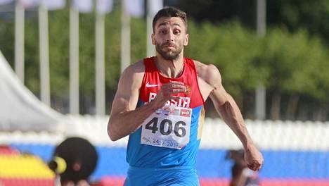 Aleksandr Petrov vauhdissa viime heinäkuun Venäjän mestaruuskisoissa, jotka hyvin todennäköisesti jäivät Petrovin uran viimeisiksi kilpailuhypyiksi.