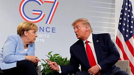 Angela Merkel ja Donald Trump keskustelivat Ranskassa tänään.