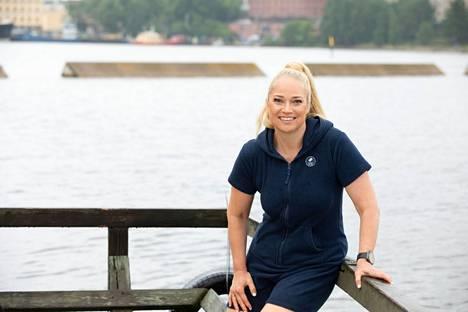 Helsingin rannat ovat tulleet nuoruudessaan uimavalvojana työskennelleelle Pippa Laukalle tutuiksi.
