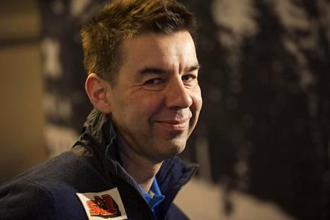 Hiihtoliiton toiminnanjohtaja Mika Kulmala oli heti sunnuntaina yhteydessä maajoukkuevalmentajiin ja antoi ohjeistusta jatkoa ajatellen.