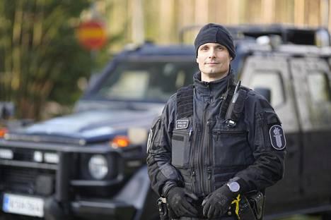 Ylikonstaapeli Mika Vainioranta valittiin tänä vuonna vuoden poliisiksi. Hän on työskennellyt 20 vuotta poliisina, joista viimeiset kahdeksan vuotta Vati-ryhmän vetäjänä.