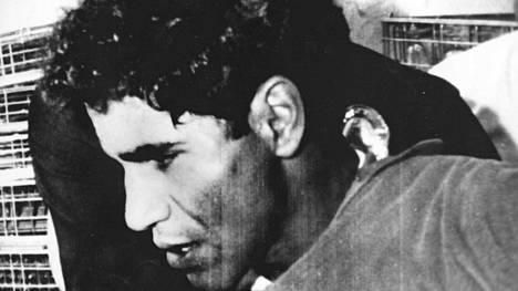 Sirhan Sirhan pidätettiin murhapaikalla 5. kesäkuuta 1968.
