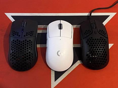 Vasemmalta oikealle: Model O Wireless, Superlight ja Pulsefire Haste.