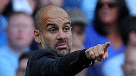 Pep Guardiola on valmis näyttämään Yaya Tourelle ovea, jos tämän agentti ei esitä anteeksipyyntöä puheistaan.