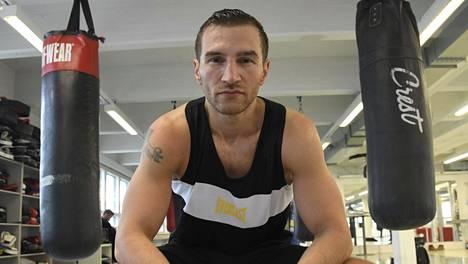 Nyrkkeilijä Edis Tatli kuvattuna maaliskuussa 2019.