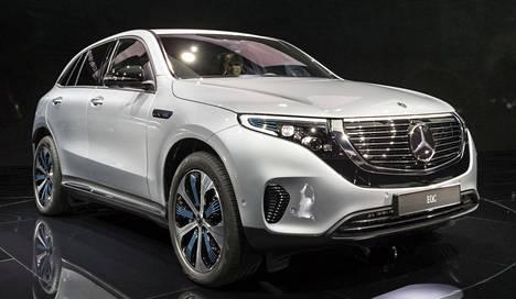 EQC:n keulamaski toimii irtiottona Mercedes-Benzin totutusta linjasta.