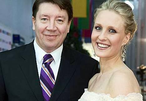 Jääkiekkolegenda Jari Kurri ja hänen toinen vaimonsa Vanessa Kurri saivat sunnuntaina kolmannen lapsensa.