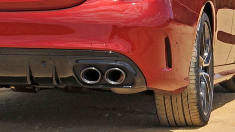 Muun muassa Mercedes-AMG C 43 4Matic A ääntelyä hillitään tulevilla EU-määräyksillä.